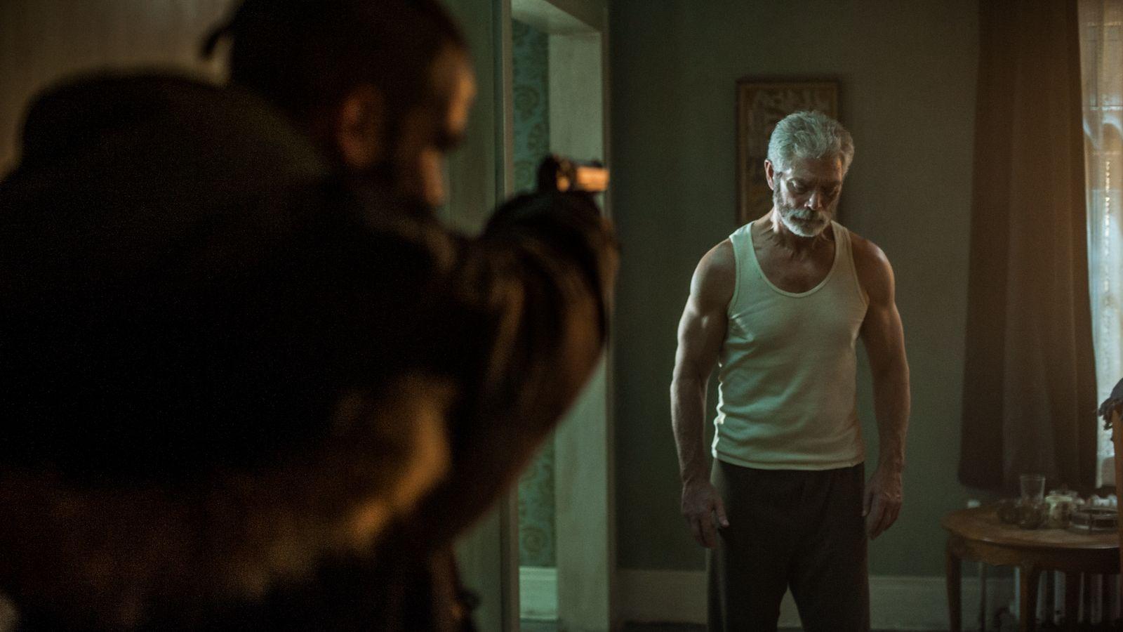 Recenzia filmu Muž v temnote (2016)