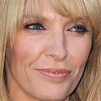 Toni Collette sa pridala k hviezdne obsadenej novinke od Guillerma del Tora, Nightmare Alley
