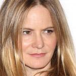 Jennifer Jason Leigh si zahrá hlavnú ženskú úlohu v Tarantinovom filme The Hateful Eight