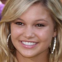 Teenagerská hviezda Olivia Holt si zahrá vo filme Same Kind of Different as Me