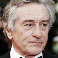Robert De Niro a Zac Efron by si mali zahrať v komédii Driving Dick Kelly