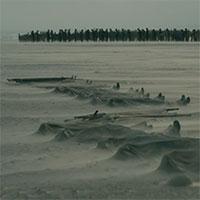 Štúdia Warner Bros. zverejnili prvú ukážku z očakávaného akčného thrilleru Dunkirk