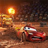 Film Autá 3 zvíťazil vo svojom otváracom víkende a porazil Pobrežnú hliadku