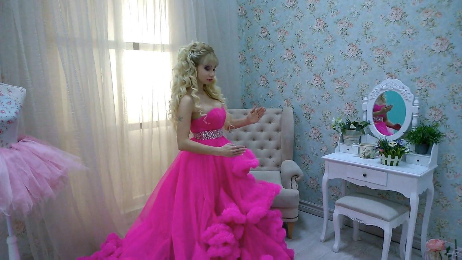 """""""Ruská Barbie"""" Tatjana Tuzová"""