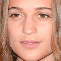 Alicia Vikander sa objaví po boku Toma Hanksa v thrileri The Circle