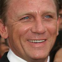 Daniel Craig si zranil koleno počas nakrúcania filmu Spectre