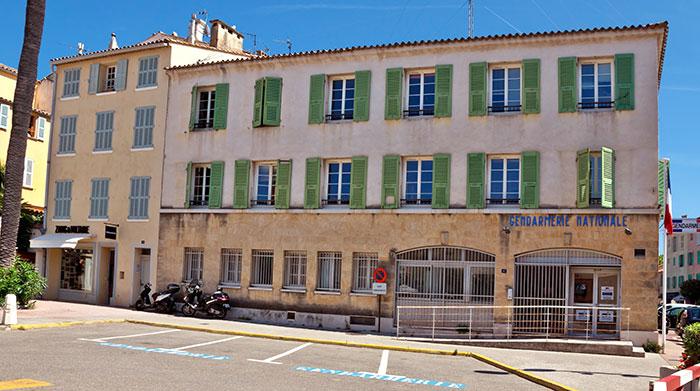 Budova v Saint-Tropez, v ktorej sa nakrúcali posledné dva diely Žandárov